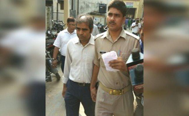 गोरखपुर हादसा में आरोपी डॉ सतीश कुमार ने किया कोर्ट में सरेंडर