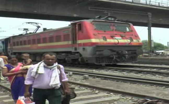 गोरखपुरः अब ट्रेन के लोको पायलट पर होगी मंत्रालय की तीसरी नजर