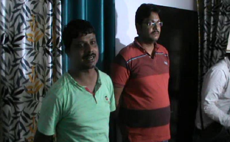 गोरखपुर: प्रॉपर्टी डीलर संतोष निषाद की हत्या, 2 आरोपियों ने किया सरेंडर