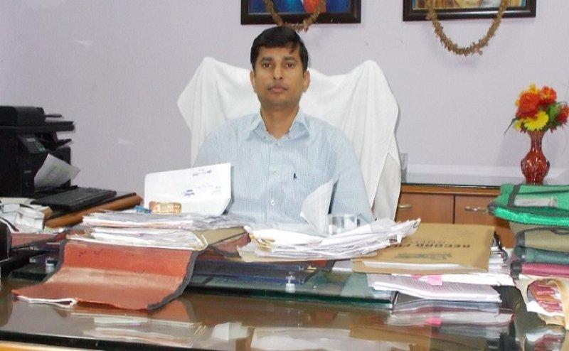 सीएम योगी ने फतेहपुर के डीएम प्रशांत कुमार को किया सस्पेंड