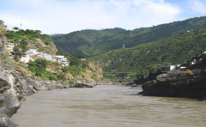 अलकनंदा नदी में सीवर का पानी, अधिकारी नहीं ले रहे एक्शन