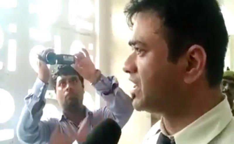 गोरखपुर: बिना हथियार के डॉ कफील खान के घर सुरक्षा के लिए भेजी पुलिस