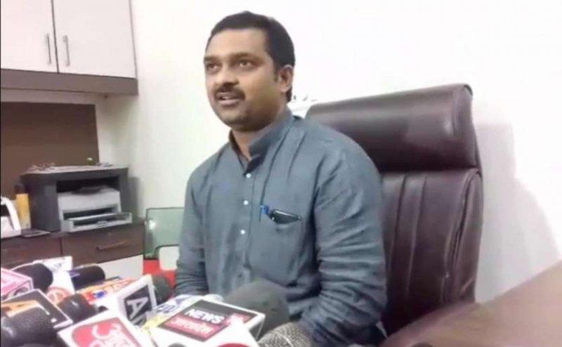 डॉ कफील के आरोप पर बोले BJP सांसद, लाइमलाइट के लिए कर रहे बयानबाजी