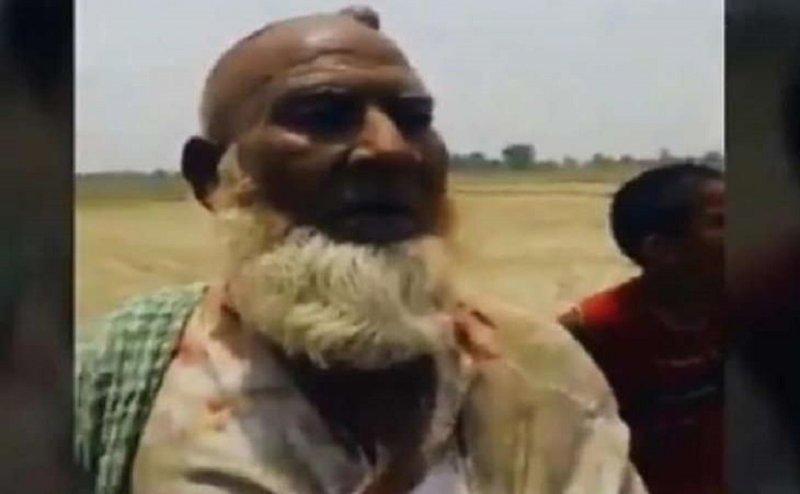 हापुड़ लिंचिंग का दूसरा वीडियो, बुजुर्ग की पिटाई कर रहे ग्रामीण
