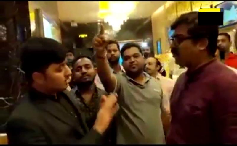 MNS कार्यकर्ता देखने गए मूवी, मामूली बात पर सिनेमा हॉल के मैनेजर को जड़े थप्पड़