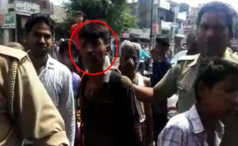 मुरादाबाद: मंदिर के दानपात्र पर किया हाथ साफ, CCTV कैमरे में कैद