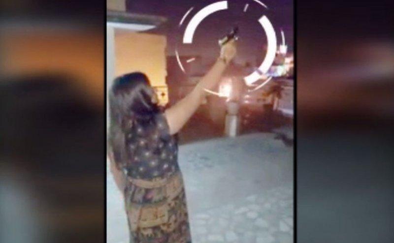 इस सपा नेता की बेटी बनी 'रिवॉल्वर रानी', वीडियो हो रहा वायरल