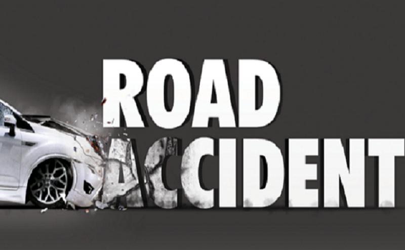लखनऊ से आगरा की ओर जा रही कार डिवाइडर से टकराकर पलटी, दो की मौत