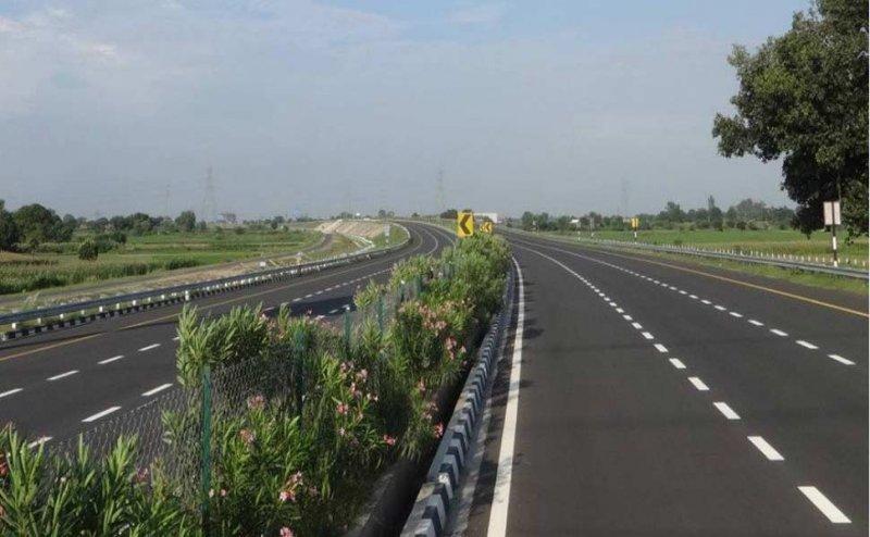 गोरखपुर समेत यूपी के 9 जिलों के लिए फायदेमंद होगा पूर्वांचल एक्सप्रेसवे