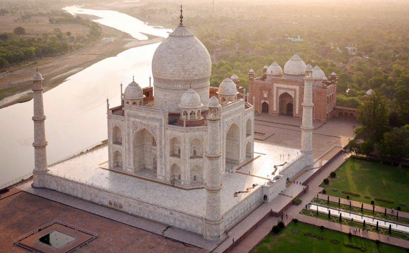ताजमहल के संरक्षण के लिए 100 साल का प्लान बनाएगी केंद्र सरकार