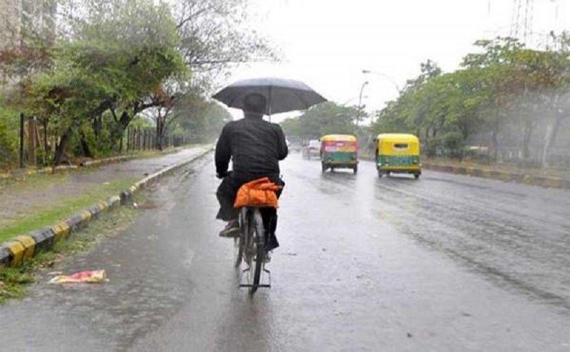 Delhi NCR में बारिश की संभावना, तो उत्तराखंड में बादल फटने की दहशत