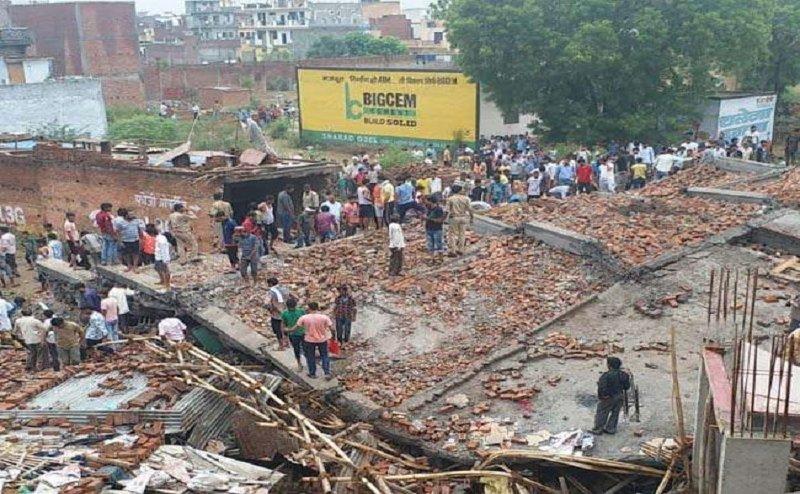 गाजियाबाद: भरभराकर गिरी 5 मंजिला इमारत, 2 की मौत, रेस्क्यू ऑपरेशन जारी