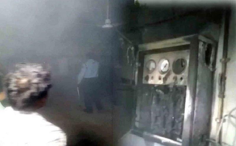 कानपुर: हैलट अस्पताल के ऑक्सीजन रिफलिंग सेंटर में लगी आग, अफरातफरी