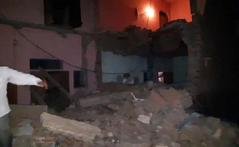 आगरा: LPG सिलेंडर ब्लास्ट में 5 लोगों की मौत, कई घायल, मकान भी गिरा