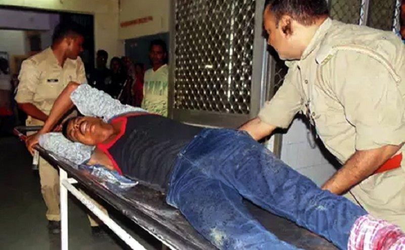 गोरखपुर: मुठभेड़ में वन माफिया शिवसरन गिरफ्तार, 5 पुलिसकर्मी घायल