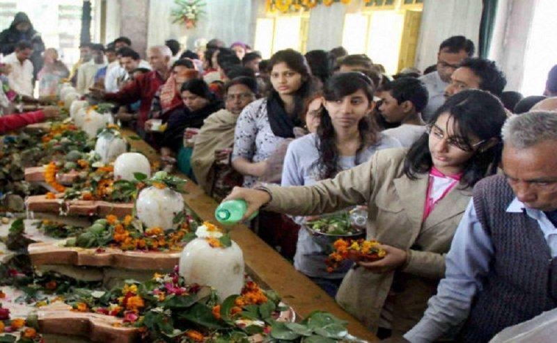 सावन 2018: ये हैं भगवान शिव को 'बेलपत्र' चढ़ाने का सही तरीका