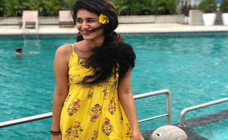Swimming Pool पर Yellow ड्रेस पहने गई प्रिया प्रकाश, शेयर की तस्वीरें