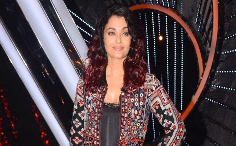 ऐश्वर्या राय बच्चन को महिला पर आया गुस्सा, मीडिया के सामने बोली ये बात...