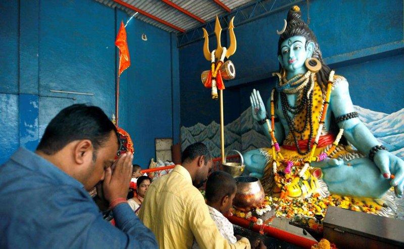 Shivratri 2018: शिवरात्रि पर इन मंत्रों का करें उच्चारण, पूजा होगी सफल