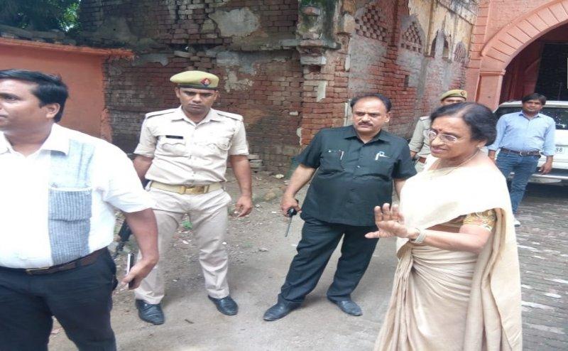 मंत्री रीता बहुगुणा जोशी ने खुद मेरठ पहुंचकर किया शेल्टर होम का निरीक्षण