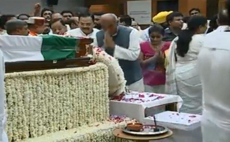 अटल बिहारी वाजपेयी को  BJP MP जगदंबिका पाल ने दी श्रद्धांजलि