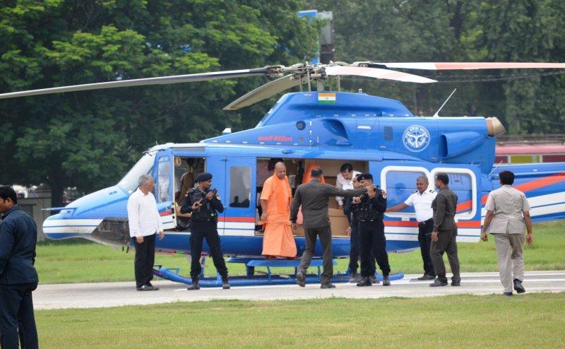 सीएम योगी के 3 पायलटों ने एक साथ दिया इस्तीफा, ये हैं वजह...
