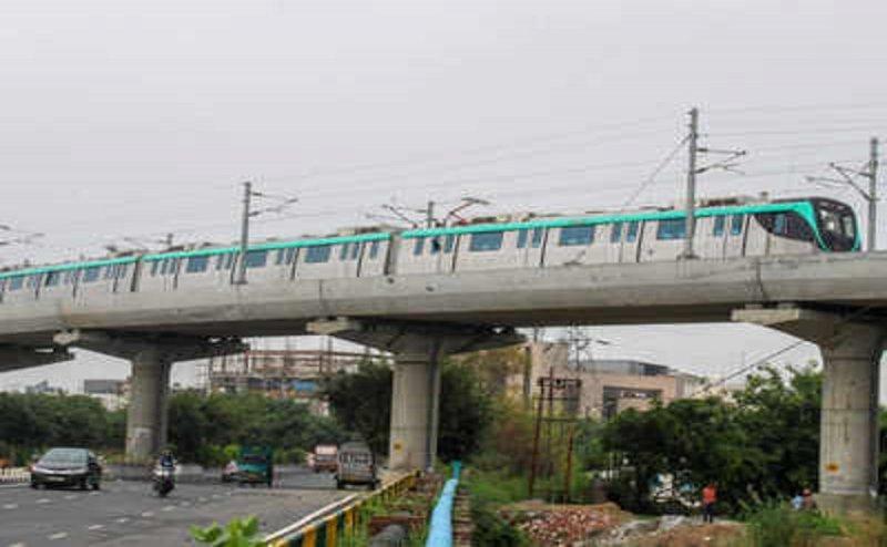 नोएडा की एक्वा लाइन में बेकार है आपका 'दिल्ली मेट्रो कार्ड'