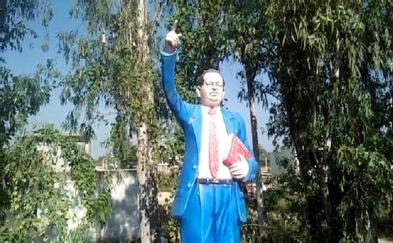 हरिद्वार में उपद्रवियों ने बाबा भीमराव आम्बेडकर की मूर्ति के चश्में को तोड़ा, कार्रवाई की मांग