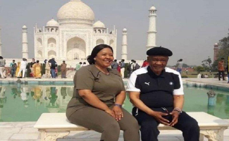 लेसोथो के प्रधानमंत्री डॉ. मोटसोआहे ने पत्नी के साथ किया ताज का दीदार