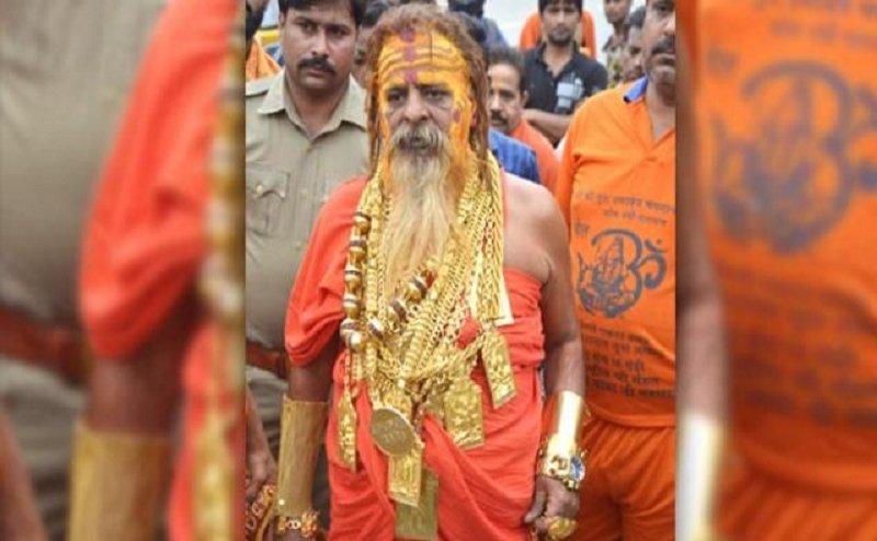 प्रयागराज कुंभ 2019: जूना अखाड़े ने गोल्डेन बाबा सहित 4 और बाबाओं को किया निष्कासित