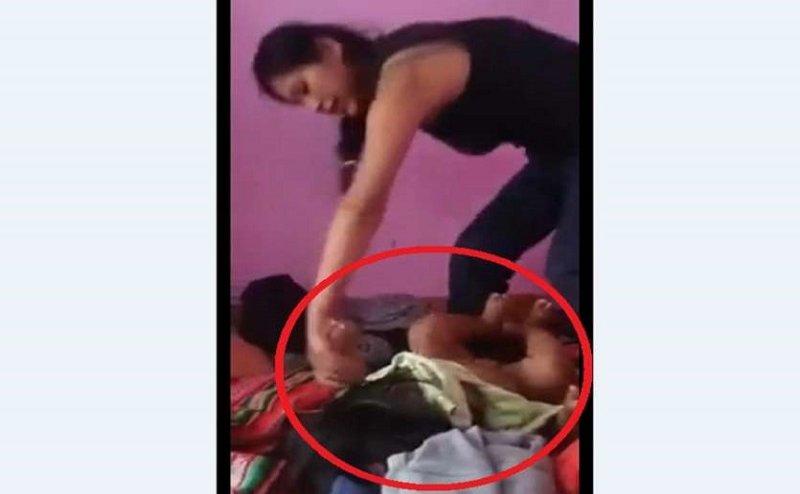 महिला बनी राक्षस, नन्हे बच्चे के कपड़े उतारकर 24 बार पेट पर मारी लात,वीडियो वायरल
