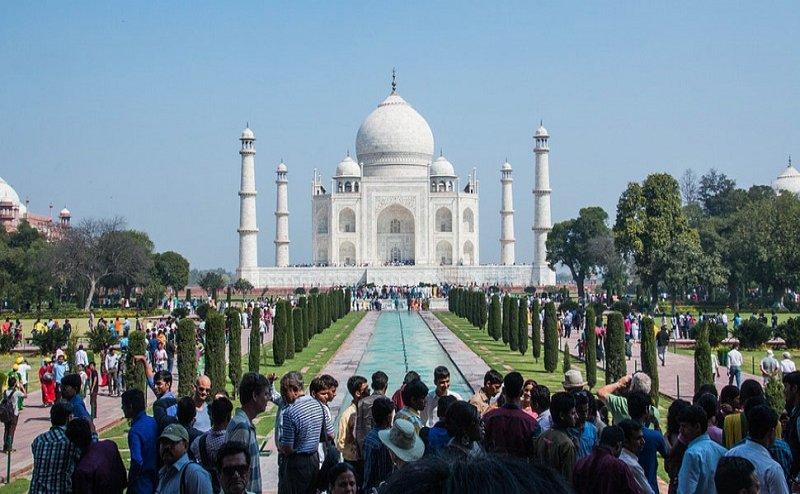जानलेवा हुई गर्मी, आगरा में हुई पर्यटक की मौत