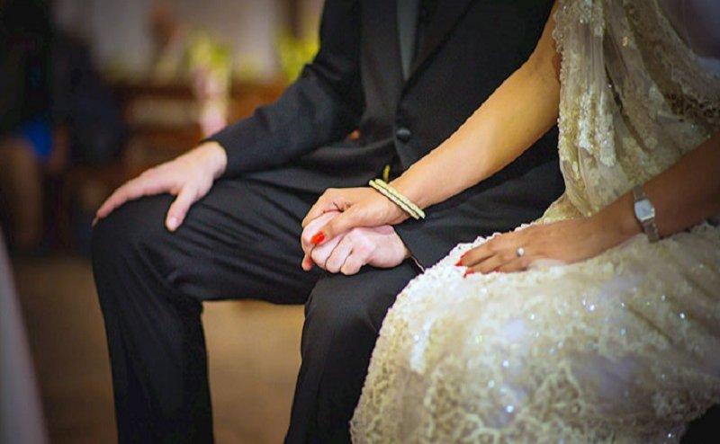 फिल्मी है ये त्याग, पति ने बिना किसी ऐतराज के पत्नी को किया प्रेमी के हवाले