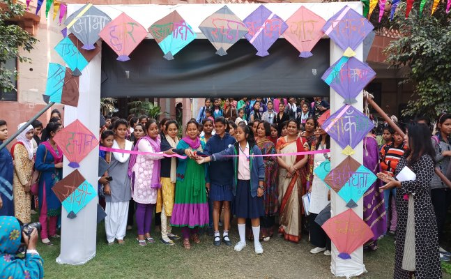 लखनऊ: लड़कियों को महिला सुरक्षा के लिए किया गया जागरूक