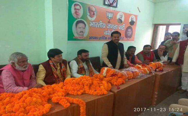 बरेली: अखिलेश यादव के करीबी अनिल शर्मा BJP में शामिल