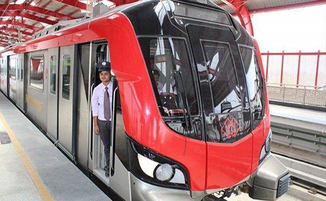 आंध्र प्रदेश से स्पेशल ट्रेन पर लखनऊ पहुंची लेखराज मेट्रो की बोगियां