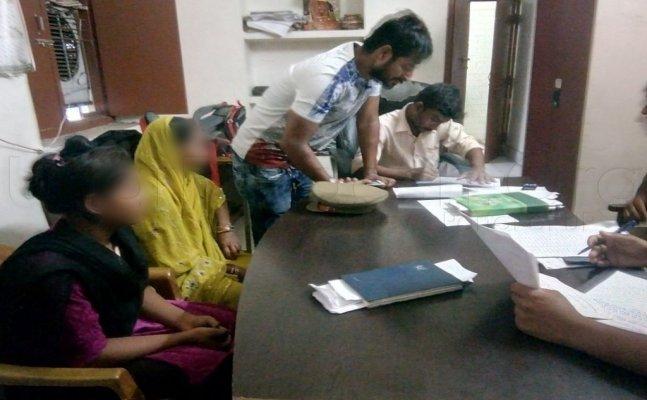 वाराणसी: बीजेपी विधायक का गनर और कुक गैंगरेप के आरोप में गिरफ्तार