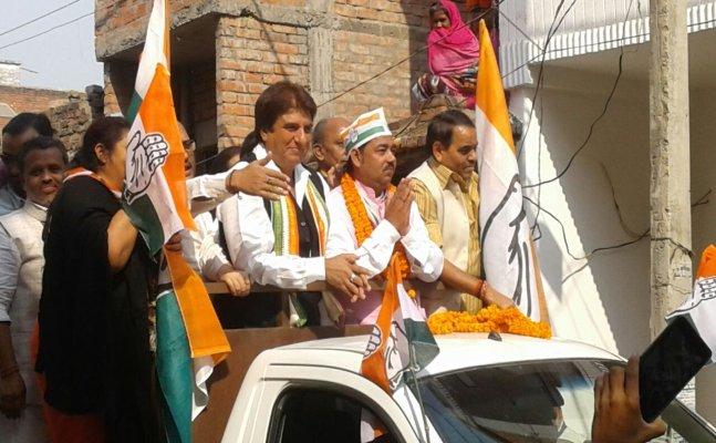 वाराणसी: कांग्रेस प्रदेश अध्यक्ष राज बब्बर ने किया रोड शो