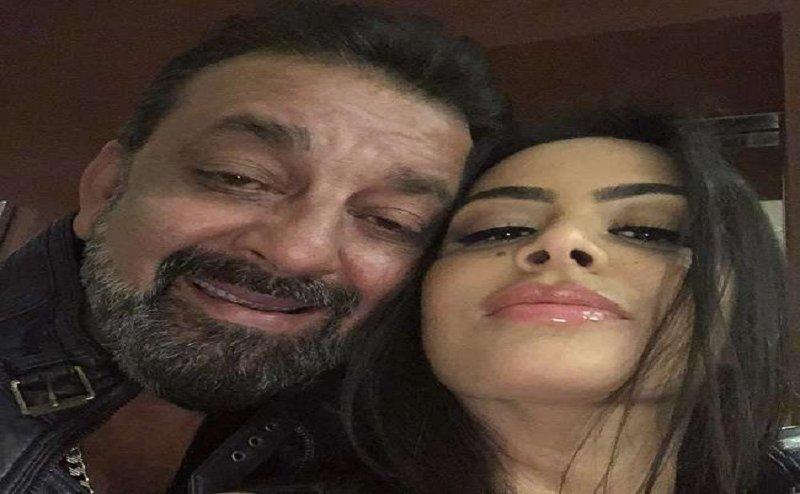 क्या आपने देखा संजय दत्त की बेटी त्रिशाला का HOT बिकनी फोटो शूट