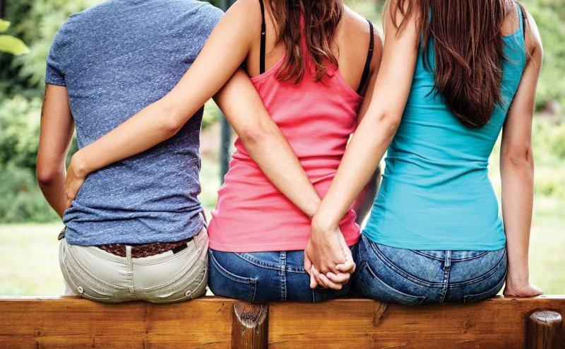 पुरुष द्वारा विवाहित महिला से यौन संबंध बनाना अपराध नहीं: सुप्रीम कोर्ट