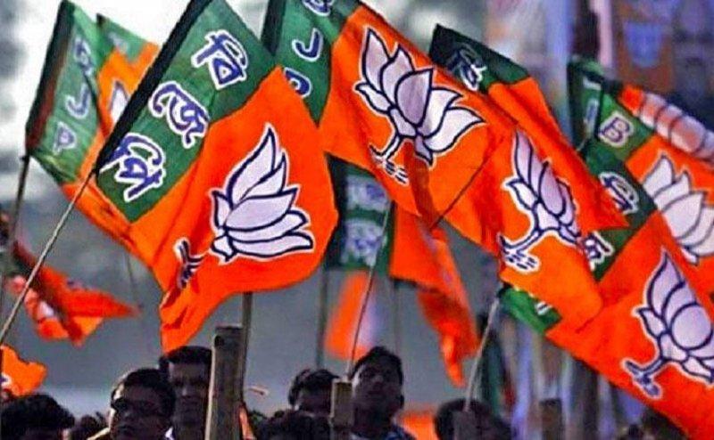 बीजेपी नेता परयौन शोषण का आरोप, कांग्रेस ने बोला हल्ला