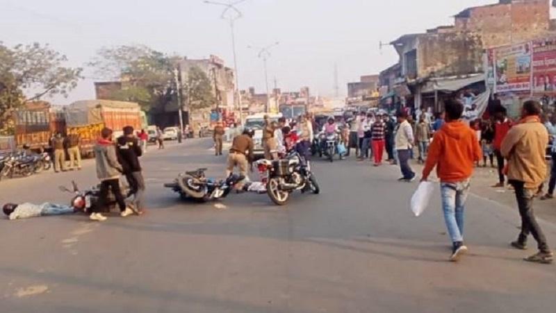 धमतरी: जिले में नुक्कड़ नाटक के जरिए यातायात नियमों की दी जा रही है सीख