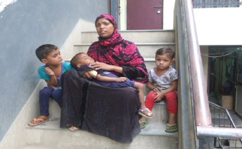 इलाहाबादः बेटी पैदा होने पर बहू को घर से निकाला