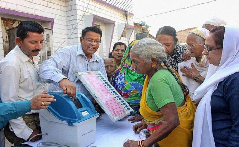 Lok Sabha Election 2019: बिहार की 5 सीटों पर वोटिंग जारी, बेगूसराय के मुकाबले पर देश भर की नजर