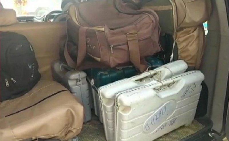 बिहार में मुजफ्फरपुर के होटल में मिली EVM मशीन, मचा हड़कंप...चुनाव अधिकारी को नोटिस जारी