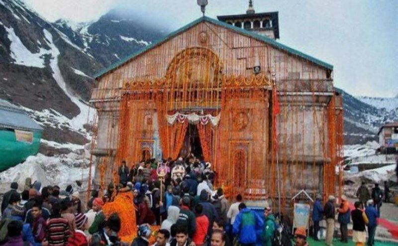आम भक्तों के लिए आज खुला भगवान केदारनाथ का कपाट, हर हर महादेव के जयकारे से गूंजा पूरा धाम