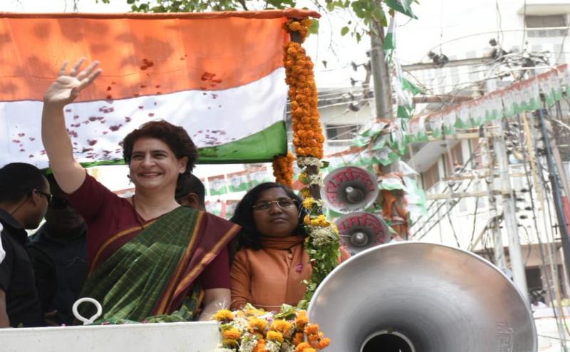 बोलीं प्रियंका- 'मोदी नेता नहीं अभिनेता है, इससे अच्छा अमिताभ बच्चन को PM बना देते'