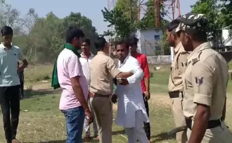 आरा के पोलिंग बूथ पर RJD विधायक ने दिखाया धौंस, पुलिसकर्मियों से की भिड़ंत..दी गालियां