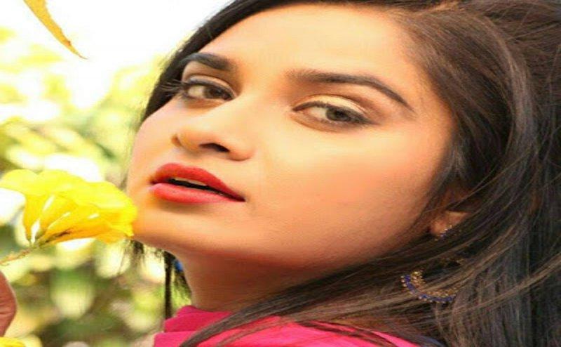 दीवानगी की हद: भोजपुरी एक्ट्रेस से शादी करने के लिए पहुंचा होटल, इंकार करने पर पुलिस पर चलाई गोली