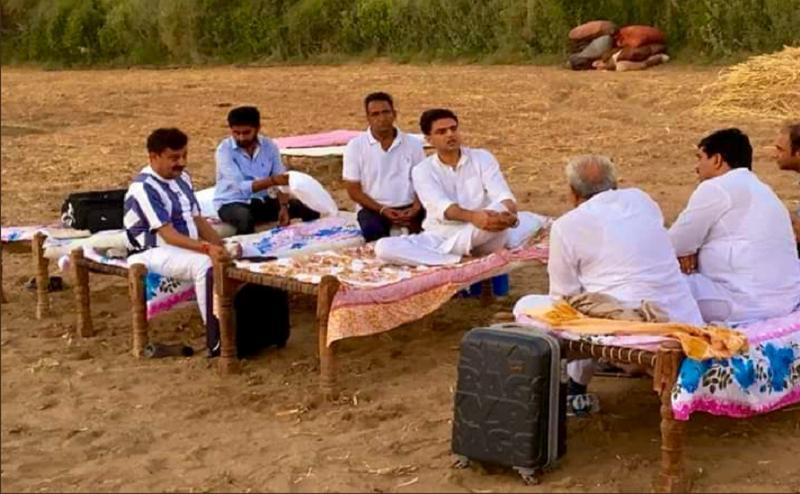 सचिन पायलट का राजस्थान के जनता के लिए ऐसा लगाव, झोपड़ी पर सोकर गुजारी रात